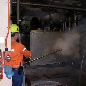 High-pressure-steam-cleaning-of-process-plant